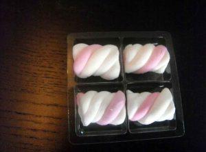 Chese plastic cu 4 compartimente pentru figurine Marshmallow etc.