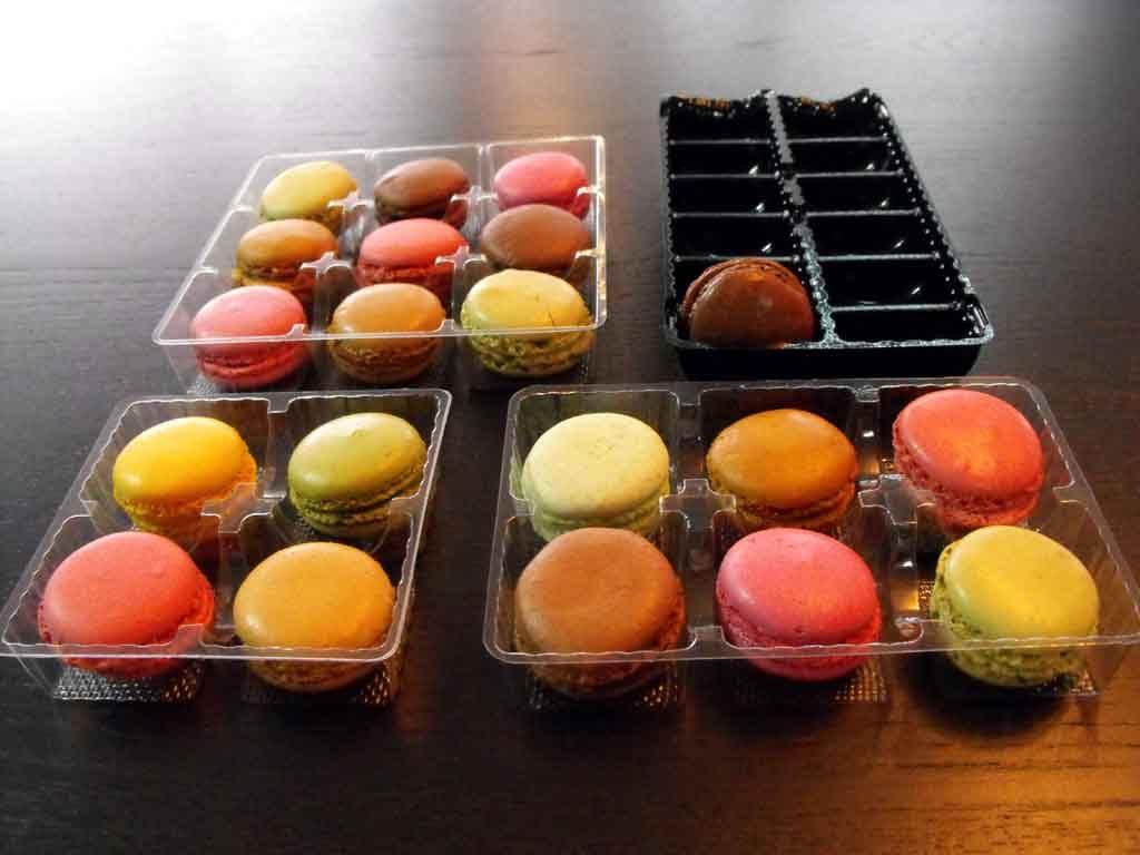 Chese plastic transparent pentru macarons, chese plastic