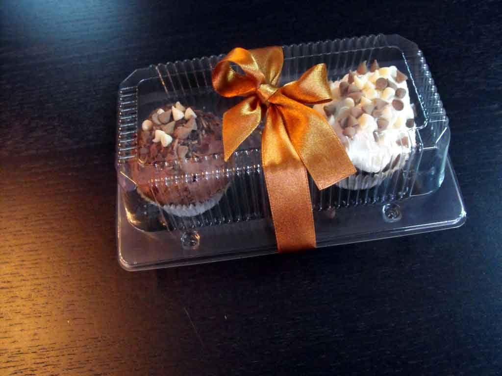 caserola doua compartimente cu cupcakes