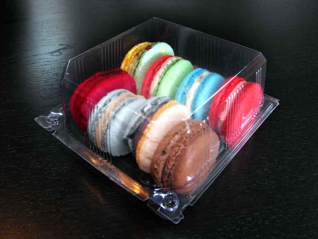 caserola plastic cu 8 macarons
