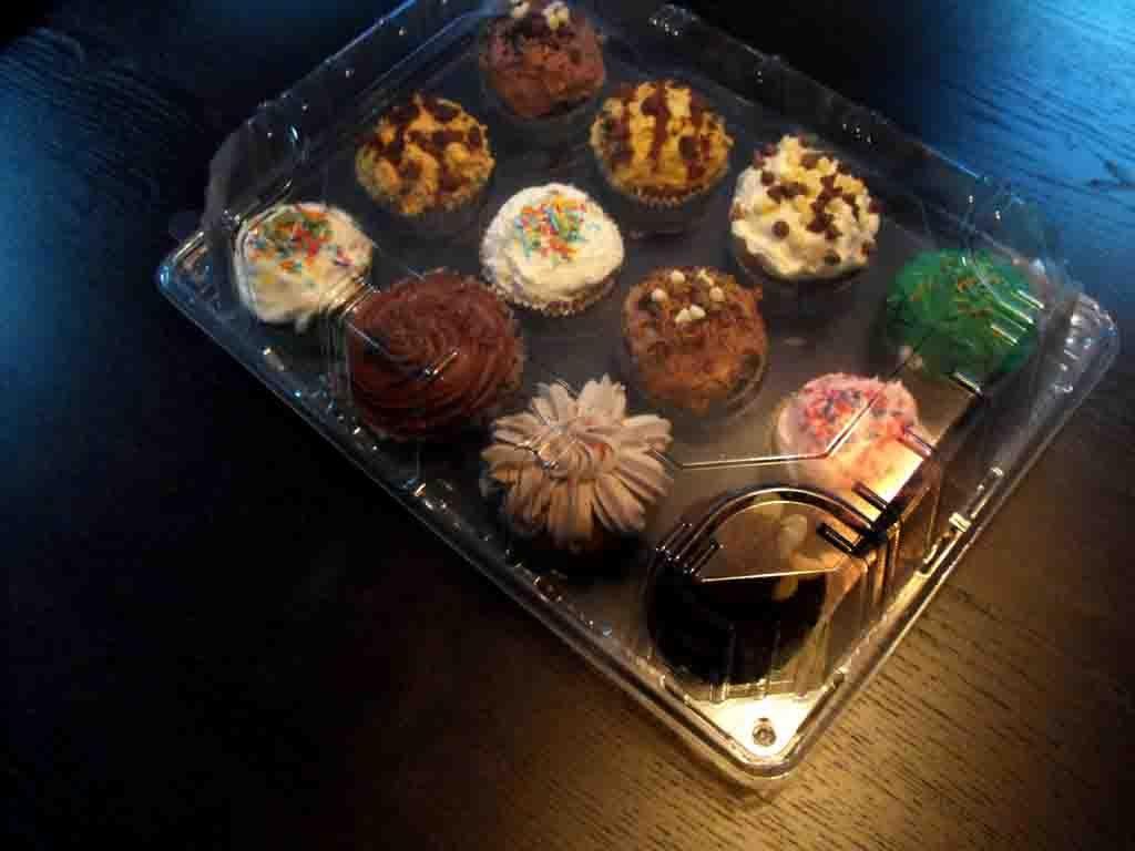 caserola prezentare 12 muffins detaliu
