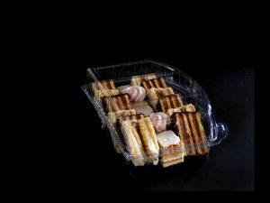 Caserole compartimentate pentru miniprajituri