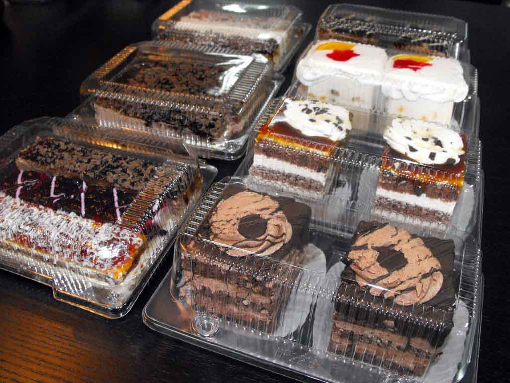 caserole compartimentate prajituri asortate, miniprajituri
