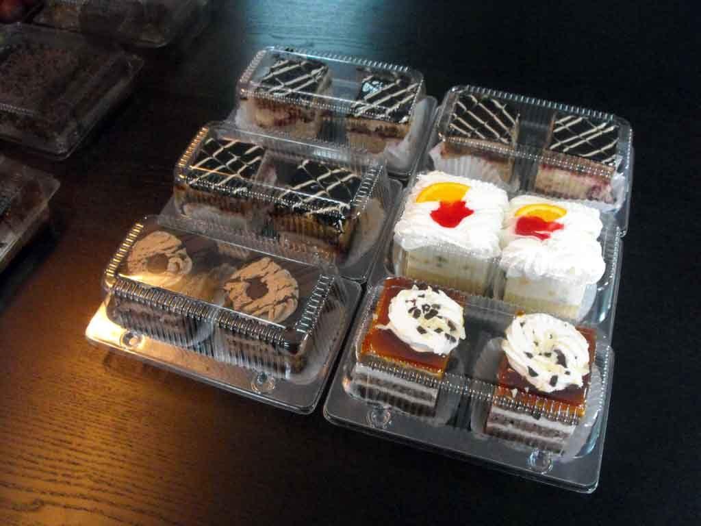 caserole plastic 2 compartimente prajituri asortate