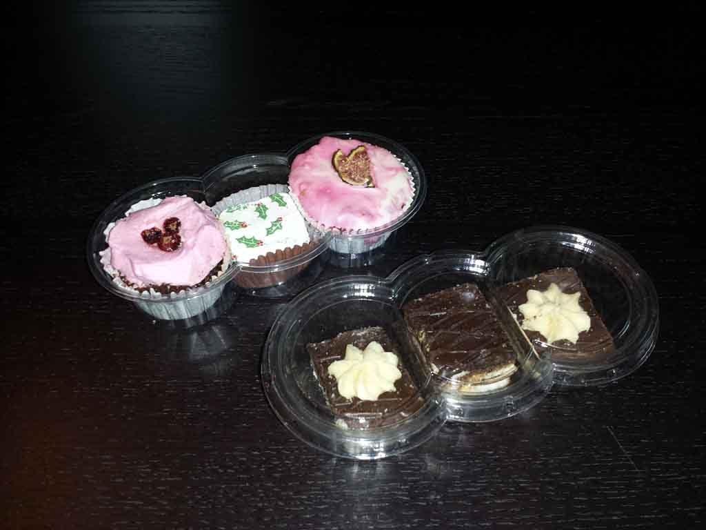caserole plastic 3 compartimente pentru prajituri