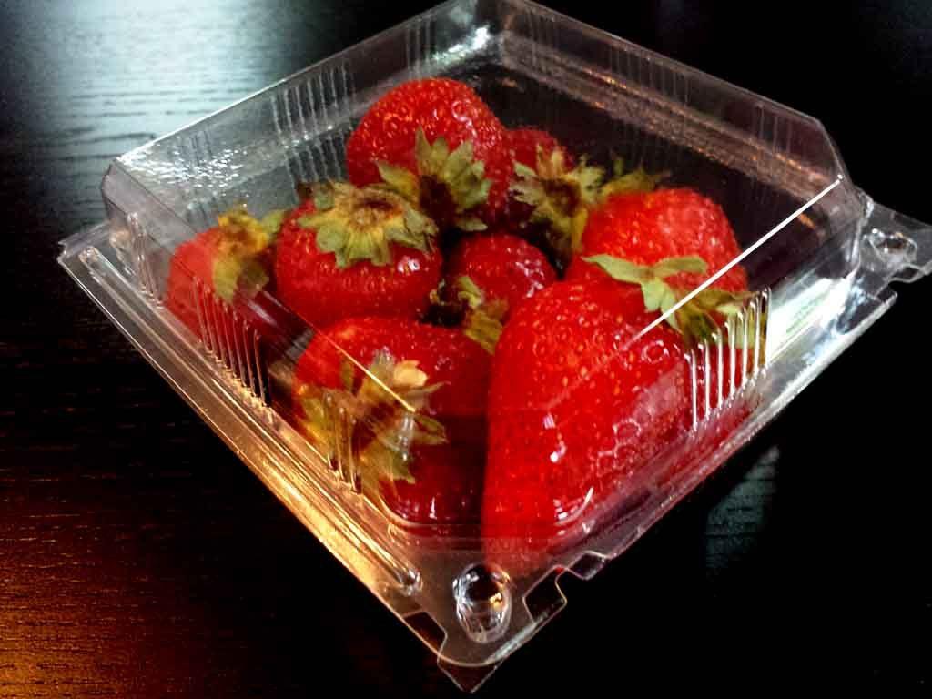 caserole plastic pentru fructe, capsuni