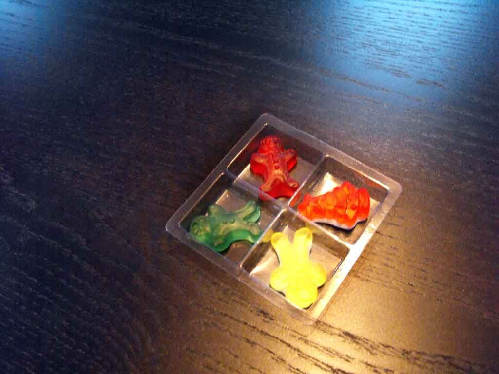 chesa 4 jeleuri, chese plastic dulciuri