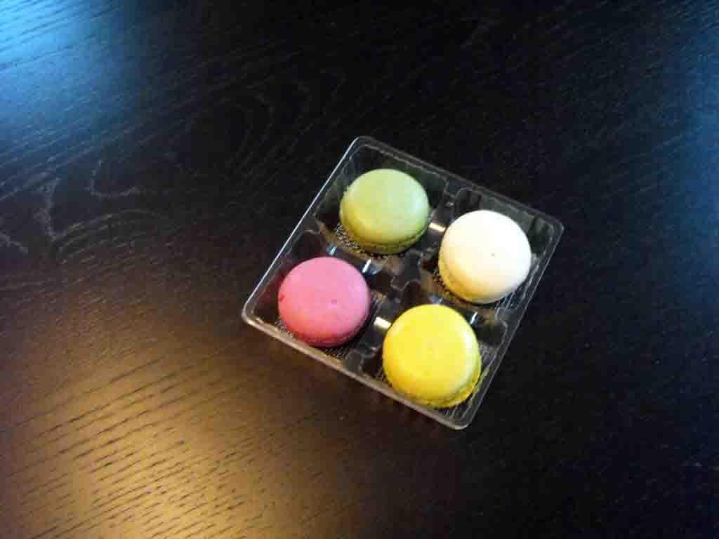 chesa 4 macarons, chese plastic macarons