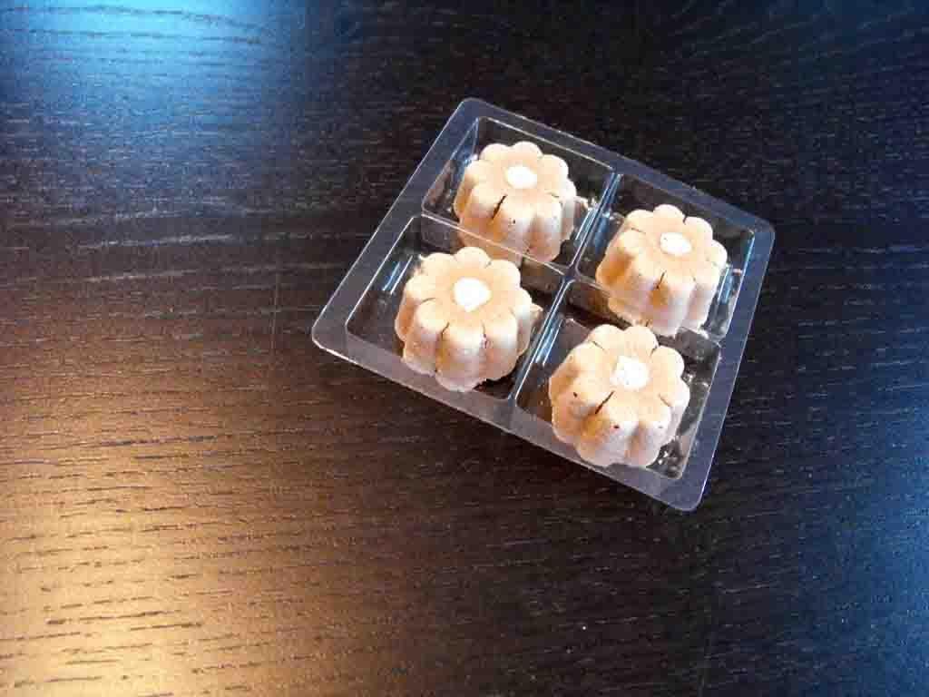 chesa 4 praline, chese plastic bomboane