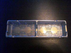 Chese plastic aurii cu doua compartimente pentru biscuiti de ciocolata, dar si pentru supermarketuri.