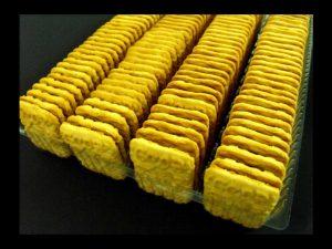 Chese din plastic (model 4105) pentru biscuiti patrati