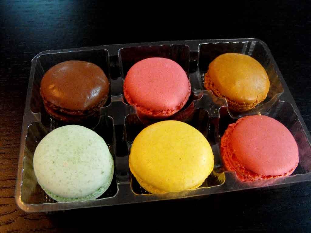chesa plastic 6 macarons 1 (1)