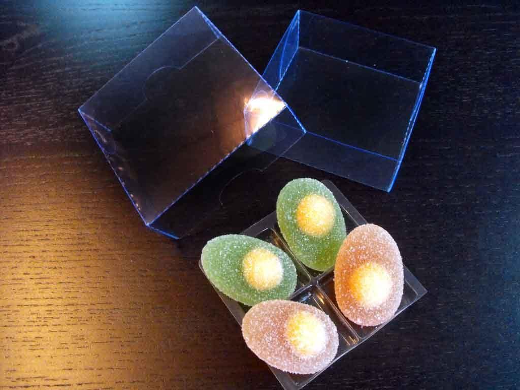 chesa plastic transparent pentru 4 jeleuri in cutie din plastic