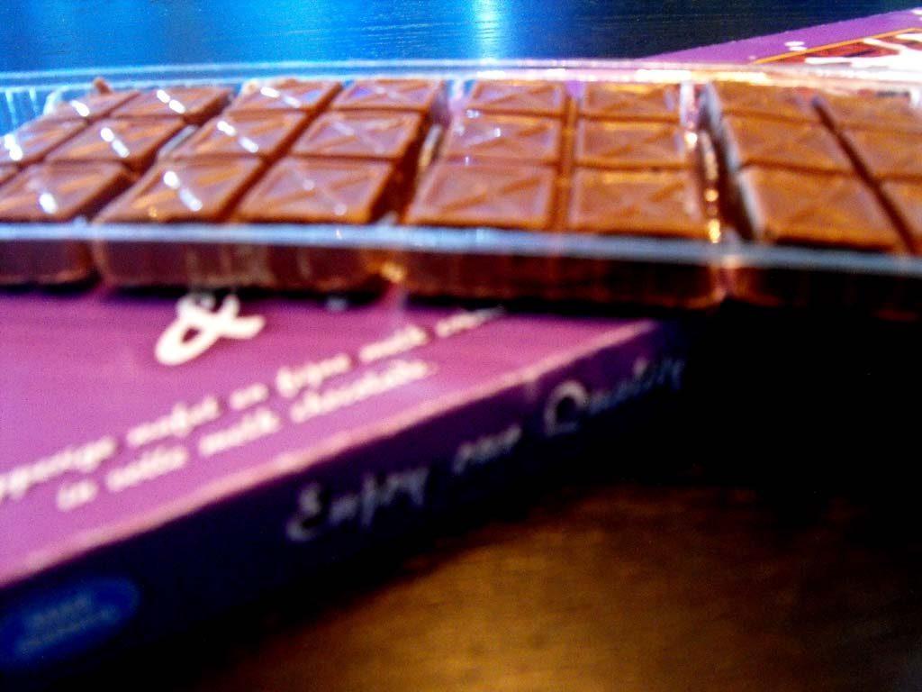 chesa transparenta 8 alveole ciocolata