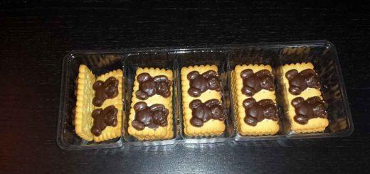 Chese compartimentate biscuiti ciocolata.