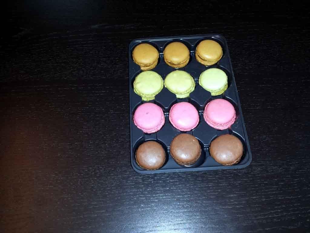 chese plastic 12 compartimente pentru macarons, producator plastice