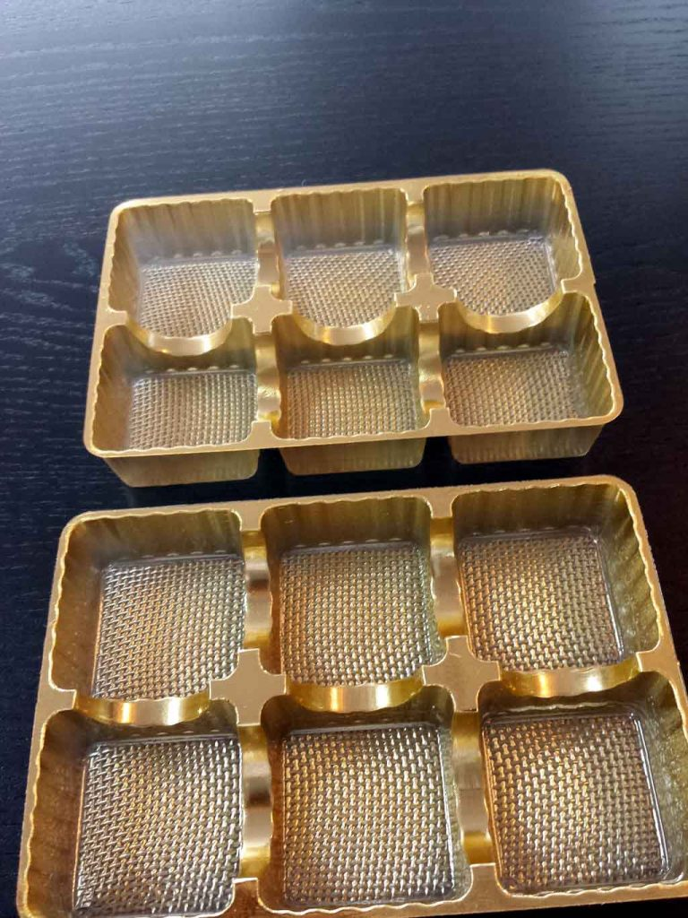 chese plastic aurii,chese compartimentate,productie ambalaje plastic