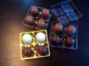 Chese plastic pentru 4 figurine Marshmallow etc.