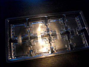 Chese din plastic cu 8 compartimente pentru prajiturele etc.