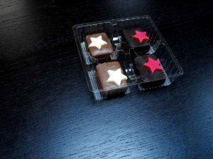 Chese plastic cu 4 compartimente pentru praline, bomboane, dulciuri etc.