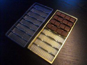 Chese plastic pentru tablete din ciocolata.
