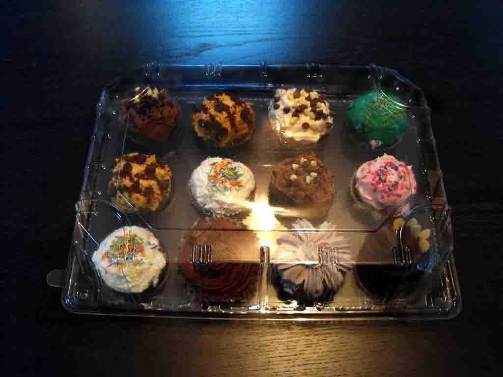 cutie prezentare 12 muffins