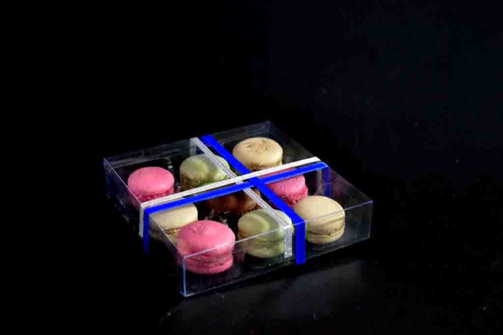 model 199 cutie transparenta cu funda albastra chesa 9 macarons