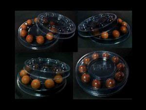 Chese plastic transparent, rotunde pentru praline sau alte bomboane.