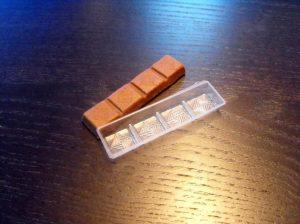 Chese din plastic pentru tablete de ciocolata.