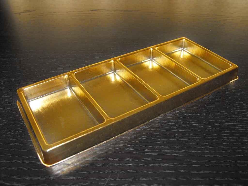 tava din plastic auriu