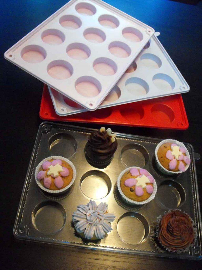 tavi plastic cupcakes, tavi plastic prajituri